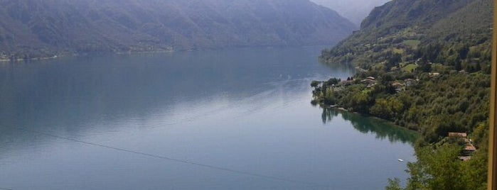 Lago d'Idro is one of Locais curtidos por Sergei.