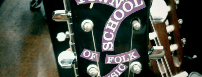 Old Town School of Folk Music is one of Tempat yang Disukai Kaleigh.