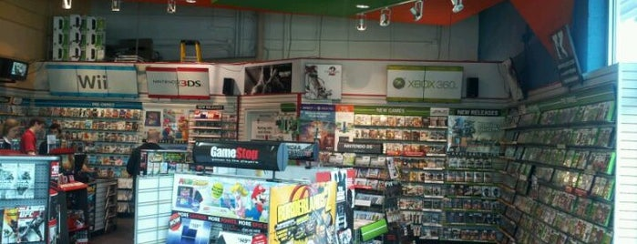 GameStop is one of palashさんのお気に入りスポット.