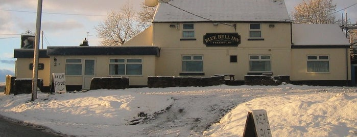 Blue Bell Inn, Halkyn Post Office is one of Locais curtidos por Carl.
