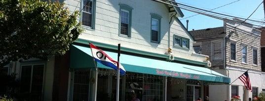 North Beach Grill is one of Gespeicherte Orte von Lizzie.