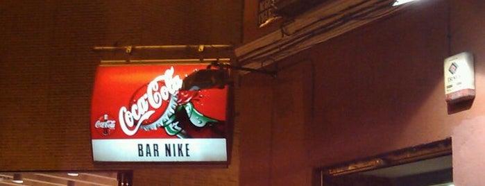 "Bar Nike is one of Chueca. Sitios ""must go""."