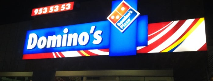 Domino's Pizza is one of Locais curtidos por Rick.