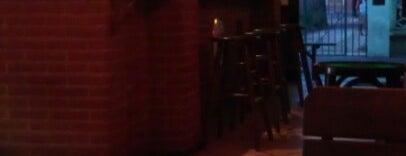 Calypso Pub is one of Lugares favoritos de Andrea.
