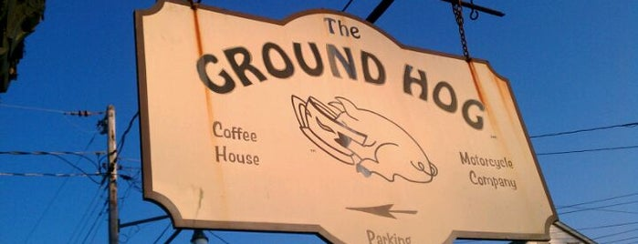 Ground Hog Cafe is one of Study Spots.