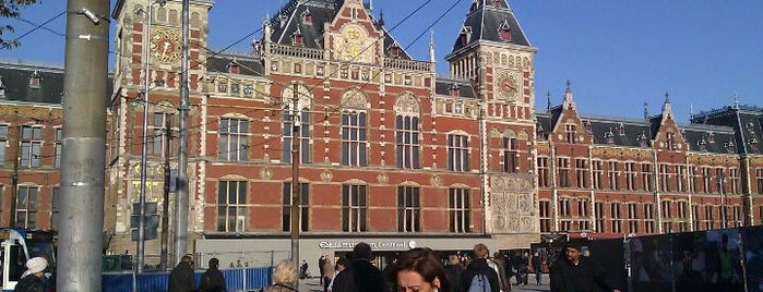 Stazione Amsterdam Centrale is one of Monuments ❌❌❌.