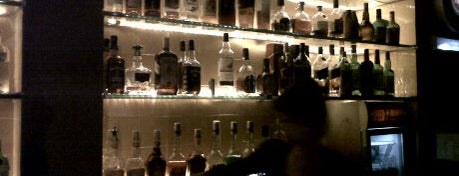 Caracas Bar is one of Noche BAIRES.