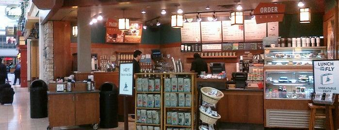 Caribou Coffee is one of Tempat yang Disukai Erik.