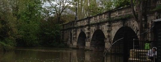 Magdalen Bridge is one of UK.