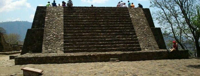 Pirámide de malinalco is one of Tempat yang Disukai Claudia.