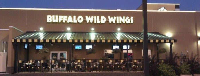 Buffalo Wild Wings is one of Lugares favoritos de Chris.