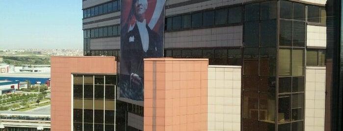 İstanbul Dünya Ticaret Merkezi is one of Özge : понравившиеся места.