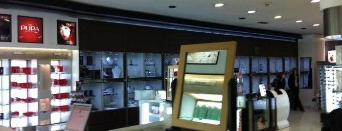 Atlántico Sur Duty Free Shop is one of Lugares favoritos de Valeria.