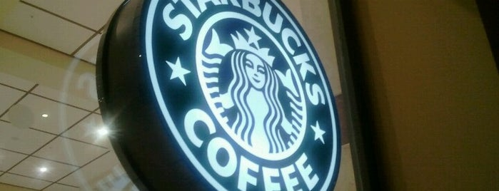 Starbucks is one of Orte, die Selin gefallen.