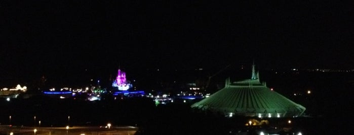 Top of the World Lounge is one of Disney Musts.