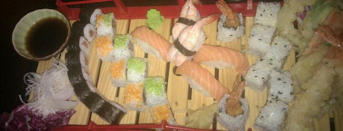 Lii Sushi is one of Lugares favoritos de Michele.