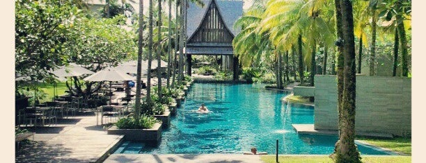 Twinpalms Phuket Resort is one of สถานที่ที่ TOLGA ถูกใจ.