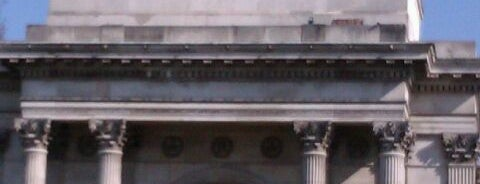 Wellington Arch is one of Tired of London, Tired of Life (Jan-Jun).