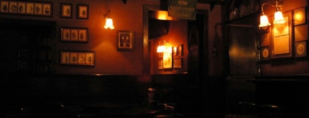 The Dickens Inn is one of Lugares guardados de Andrea.