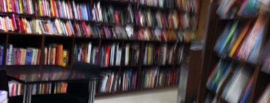 Livrarias Curitiba is one of Locais curtidos por Carlos.