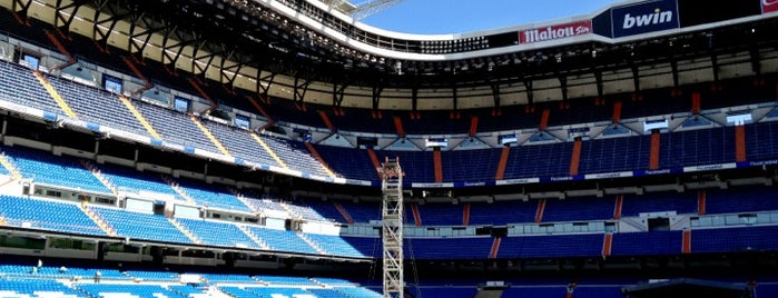 Estadio Santiago Bernabéu is one of Estadios Liga Española.