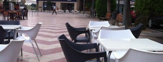 Plaza De La Concepción is one of Tempat yang Disukai Bob.