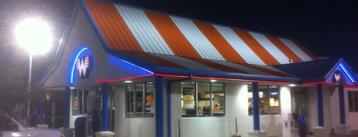 Whataburger is one of Lugares guardados de Chandra.