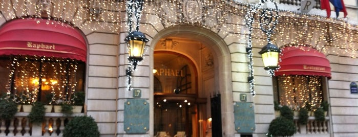Hôtel Raphaël is one of Restos parisiens.