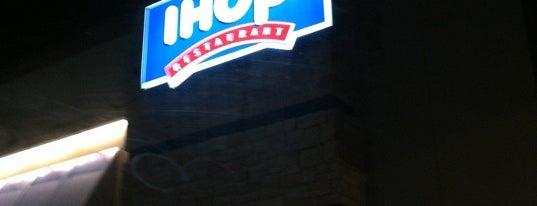 IHOP is one of Posti che sono piaciuti a Ashley.