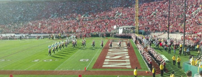 Rose Bowl Stadium is one of Favorite affordable date spots.