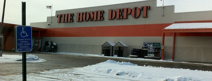 The Home Depot is one of Stacyさんのお気に入りスポット.