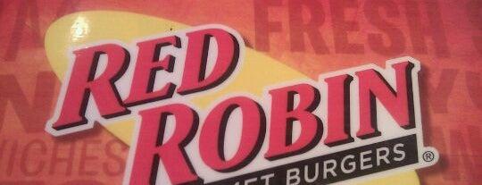 Red Robin Gourmet Burgers and Brews is one of Ray'ın Beğendiği Mekanlar.