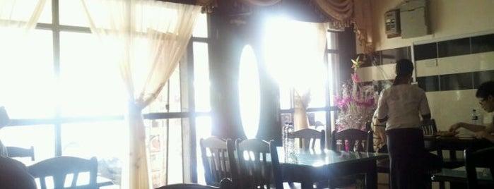 Sameer Restaurant & Catering is one of S'ın Beğendiği Mekanlar.