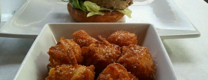 Umami Burger is one of David & Dana's LA BAR & EATS!.