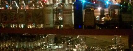 Una Bar is one of Nightlife.
