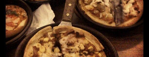 Pizza Hut is one of Posti che sono piaciuti a Rafika Isya Rasyid.