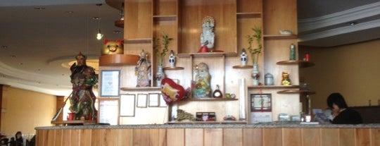 Restaurant Fu Sing is one of Donde llevar a la polola.