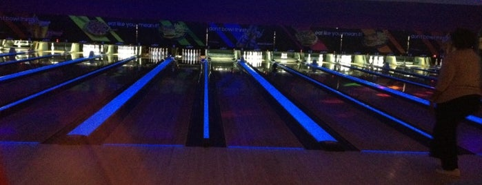 AMF East Meadow Lanes is one of Tempat yang Disukai Brian.