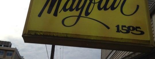 Mayfair Lounge is one of Tempat yang Disukai Lizzy.