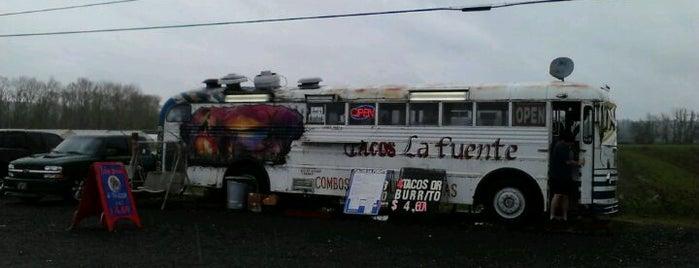 Tacos La Fuente is one of Lugares favoritos de DenMom & MoMo.