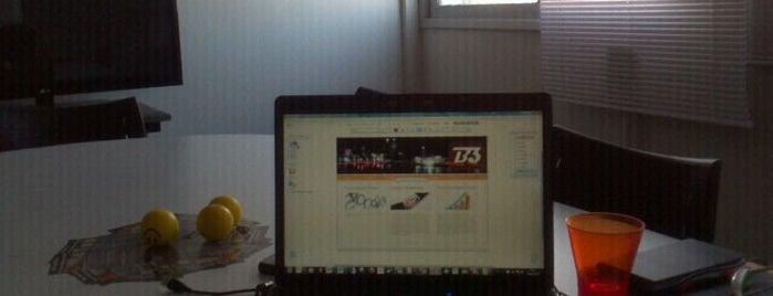 B3 Soluções & Consultoria is one of Espaços de Coworking.