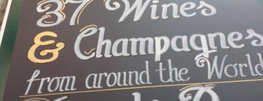 Jury's Café & Wine Bar is one of tredozio.