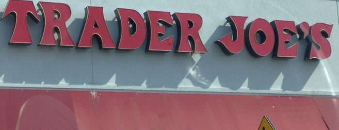 Trader Joe's is one of Kristen'in Beğendiği Mekanlar.