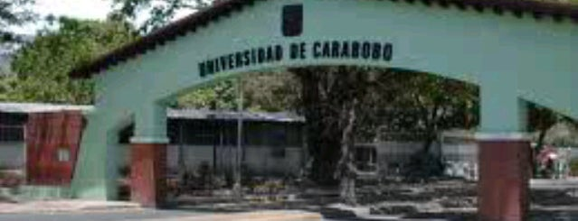 Universidad de Carabobo is one of Lugares favoritos de Aurora.