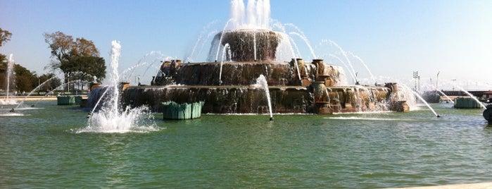 Мемориальный фонтан Кларенса Букингема is one of Traveling Chicago.