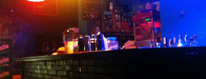 Polaroid Bar is one of CERVESA o COPA.
