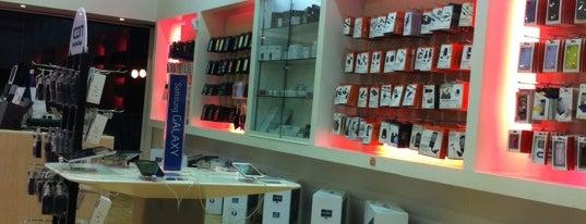 iStore is one of Lugares favoritos de Salim.