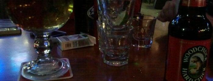 Cujo's Sports Bar & Grill is one of สถานที่ที่ Lauren ถูกใจ.