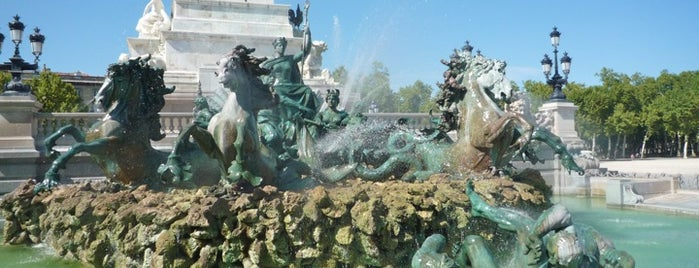 Monument aux Girondins is one of Lugares favoritos de Jennifer.
