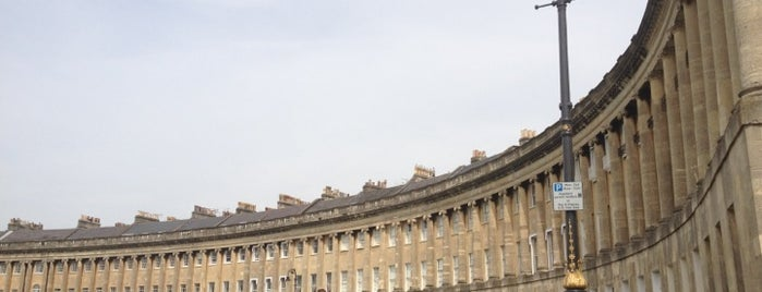 No. 1 Royal Crescent is one of London/Bath BRIDGES.